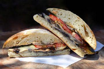 Σάντουιτς λαχανικών πάρε μαζί σου στη παραλία υγειηνο σνακ jonakos.gr