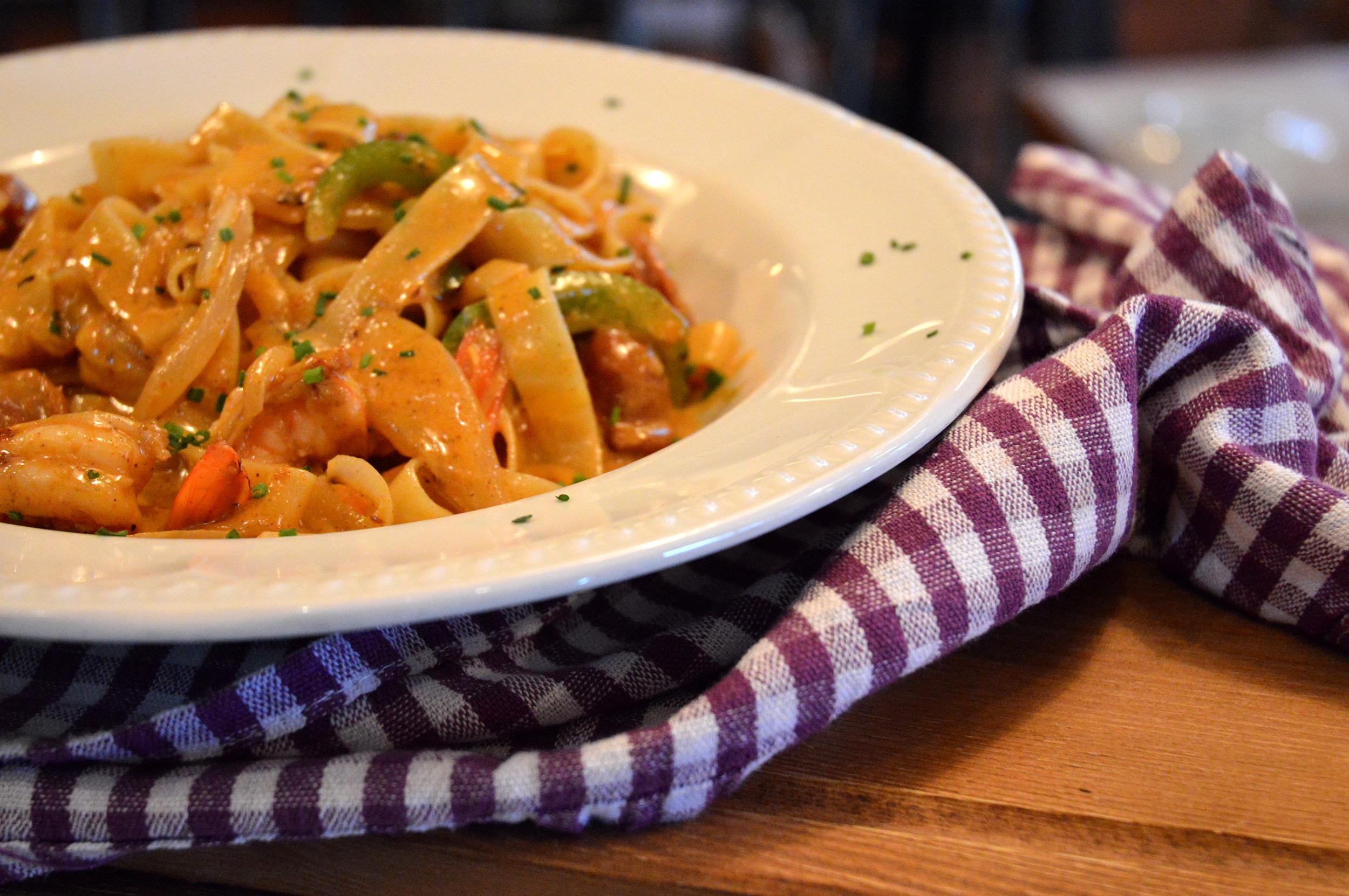 Corks & Forks φινετσατες γεύσεις στον Πειραιά jonakos.gr