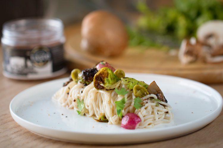 σπαγγέτι από τοφού Κώστας Μαγουλάς Μαγειρεύοντας εναλλακτικά και υγιεινά χωρίς γλουτένη χωρίς λακτόζη διατροφη για vegan