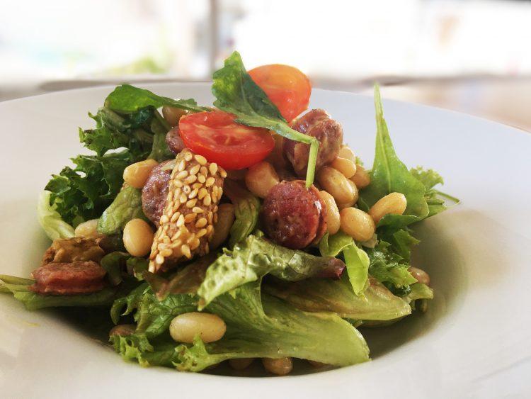 σαλάτα φασόλια λουκάνικο Δικοτυλον breadly crispy filofron.com