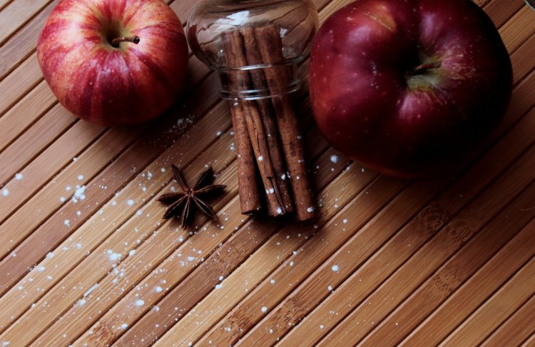 μήλο κανέλα χριστουγεννιάτικο ποτό σιρόπι βάση για κοκτέιλ Giorgos Theodorakos