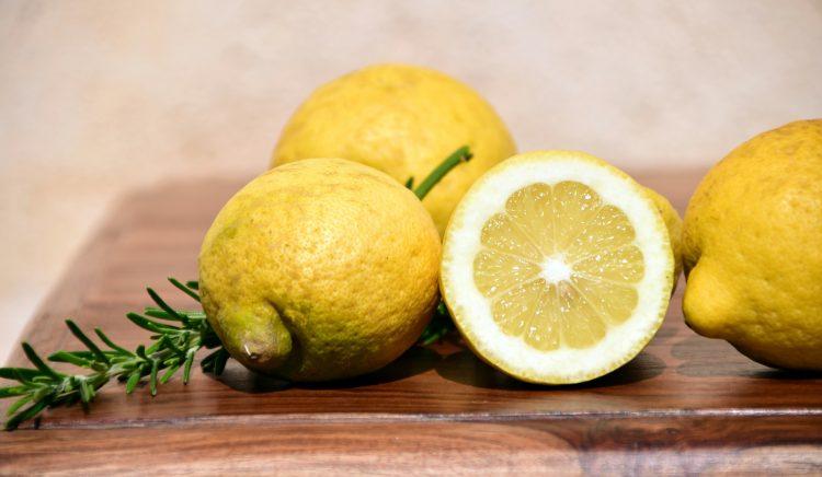 λεμόνι ευεργετικές ιδιότητες λεμονιού