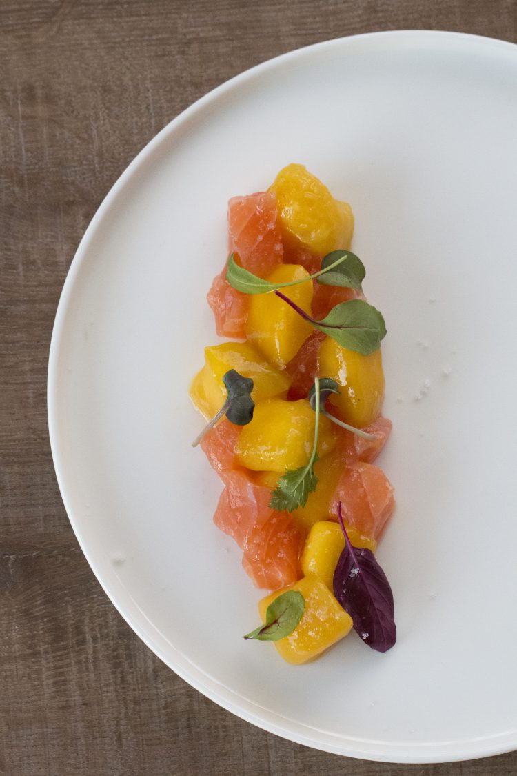 μάνγκο σολομός μαγειρεύοντας υγιεινά και εναλλακτικά Κώστας Μαγουλάς